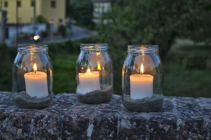 Glass jar tea lights